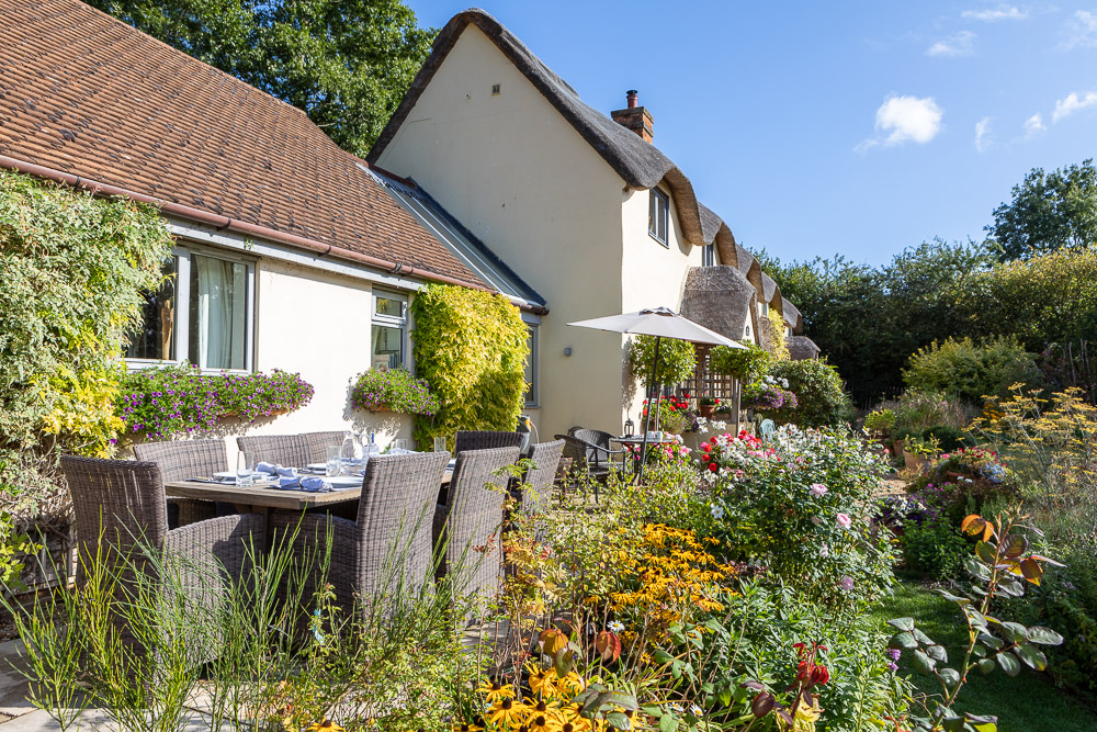 Large Self-Catering Cottage Bucks and Milton Keynes