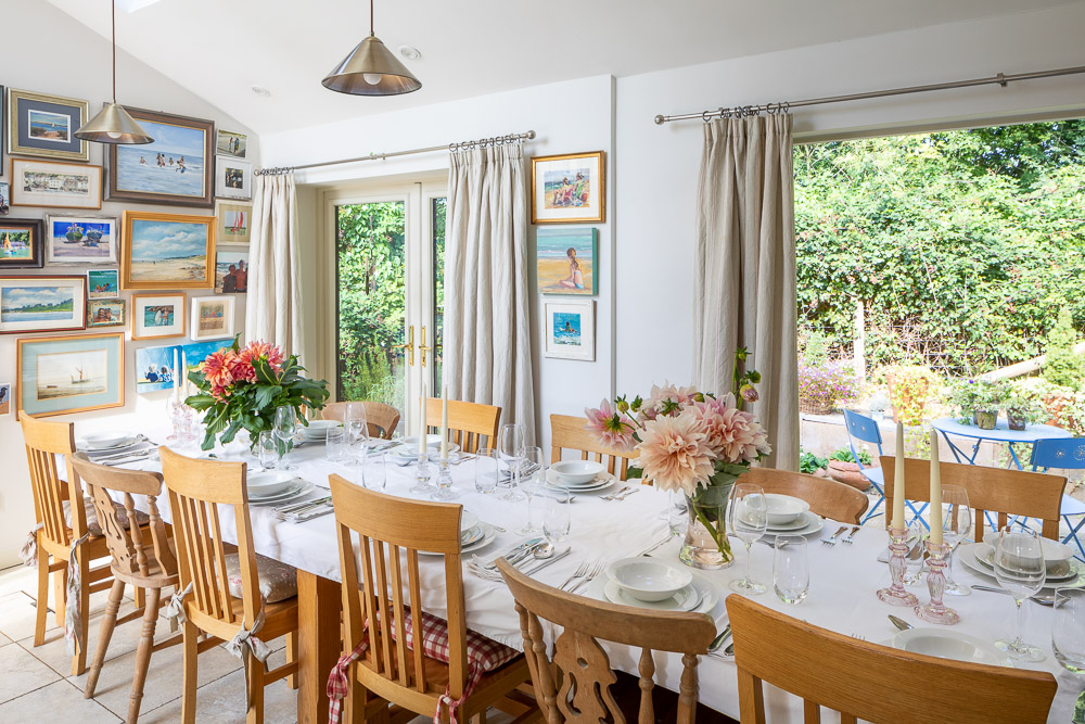 Dining Room of Large Cottage for Family Celebrations in Bucks Milton Keynes