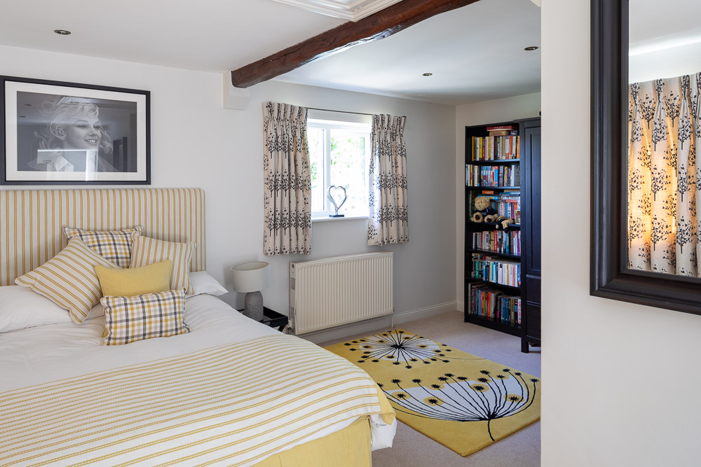 Large Self-Catering Cottage in Bucks